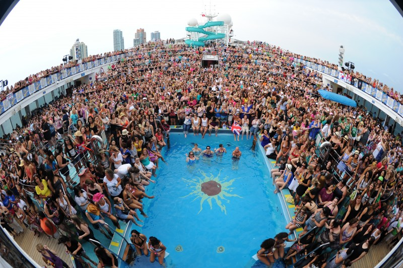 carnival-cruise-party.jpg